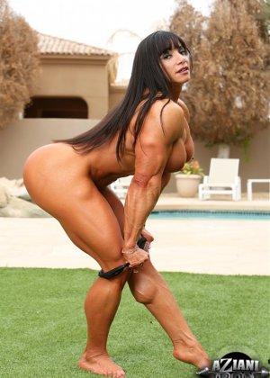 Марина Лопес обладает необыкновенно подтянутым телом, которое она так стремится показать всем - фото 5