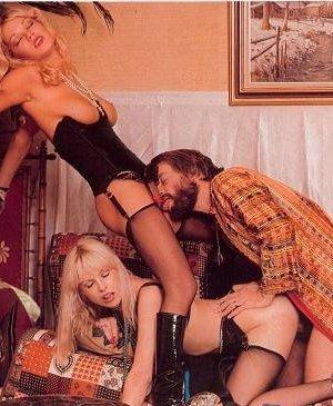 Бриджитт Лахайе очень сексуальна и знает об этом – она показывает свое сексуальное тело и подставляет для траха - фото 7