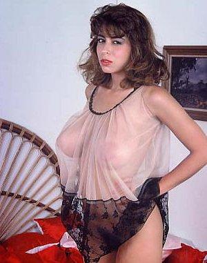 Кристи Каньен очень любит секс – это можно увидеть на винтажных фотографиях этой сексуальной галереи - фото 9