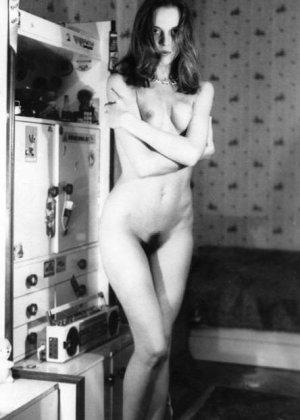 Ретро-снимки русских красавиц доказывают, что даже в далекие времена девушки были очень сексуальны - фото 14