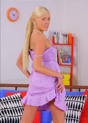 Молодая русская блондинка в первый раз занимается анальным сексом - фото 7