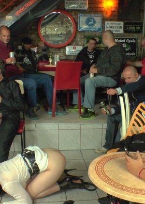 У фетишистов есть любимое кафе, где они могут заниматься всем, чем захотят - фото 20