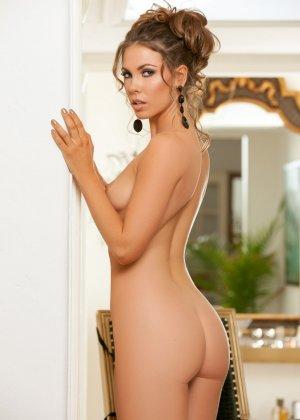 Джиа Рэмей Джей снимает с себя красивое белье и показывает восхитительное тело - фото 12