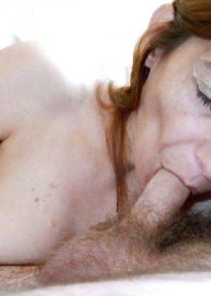 Опытная мамаша вывалила красивую грудь а после отсосала своему мужу - фото 8