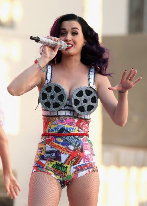 Katy Perry ���������� ����� ���������� ������������ ���������