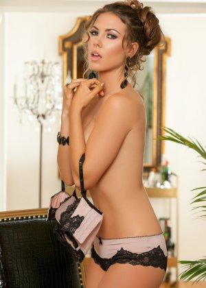 Джиа Рэмей Джей снимает с себя красивое белье и показывает восхитительное тело - фото 4