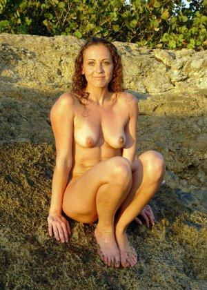 Девушки лесбиянки ласкают свои промежности и получают удовольствие - фото 23- фото 23- фото 23