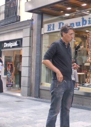 Испанская модель готова терпеть многие унижения, лишь бы показать свою смелость и готовность к экспериментам - фото 15