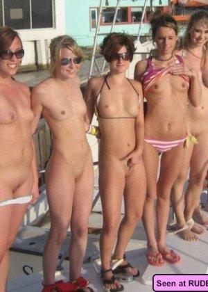 Красивые голые девушки на любой вкус: бритые пезды рыженьких и сочные сиськи брюнеток - фото 5