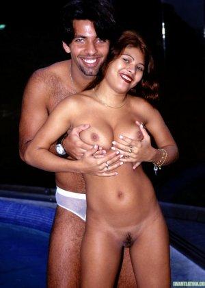 Классный трах латиноса с огромным членом и его сисястой подружкой с аккуратной пиздой - фото 5
