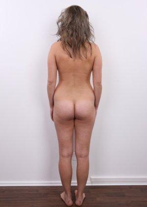 Телка с большими дойками роставила ножки на порно пробах - фото 14