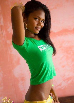 Аша Кумара – индийская девушка, которая готова показать всем свою экзотическую внешность - фото 7