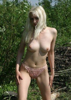 Подборка любительских фото грудастых телочек которые показали свои щелки - фото 43