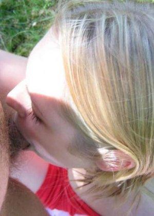 Пикник закончился сексом на природе, русская потаскушка раздвинула ноги и ее трахнули в волосатую вагину - фото 8