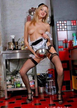 Эта телка очень сексуальна, она даже заказала фотосъемку в стиле ню, кадры вышли классные - фото 12