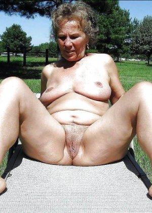 Подборка фото зрелых дам с висящими сиськами и не бритыми пездами - фото 7
