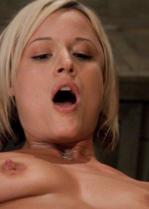 Жасмин Джоли решает испытать себя на секс-машине - фото 14- фото 14- фото 14