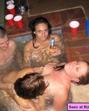 Красивые голые девушки на любой вкус: бритые пезды рыженьких и сочные сиськи брюнеток - фото 4