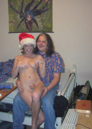 Развратные голые девицы в красивой подборке качественных фото - фото 11