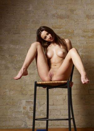 Красивые модели с классными фигурами показывают свои нежные попки - фото 23