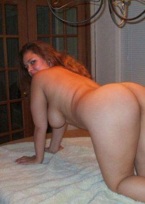 Сексуальные латинские девушки с удовольствием демонстрируют свои голые тела, ублажают друг друга и берут в рот - фото 8