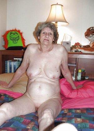 Подборка фото зрелых дам с висящими сиськами и не бритыми пездами - фото 3