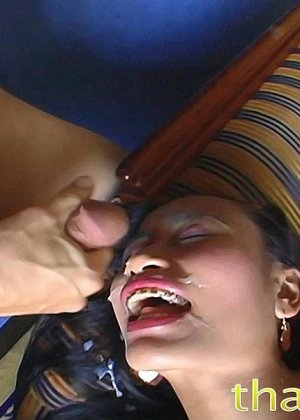 Азиатская с красивыми сиськами занимается вагинальным сексом в разных позах - фото 14