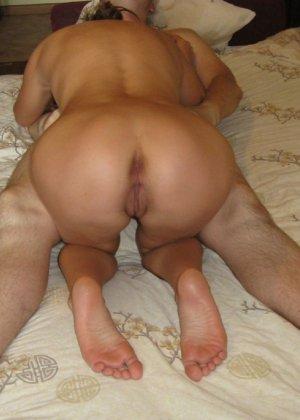 Сексуальная жена хорошенько отдыхает без одежды - фото 6