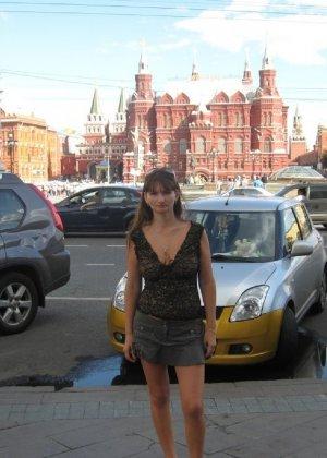 Сексуальная жена хорошенько отдыхает без одежды - фото 49
