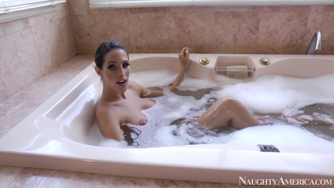 Секс в ванной от первого лица