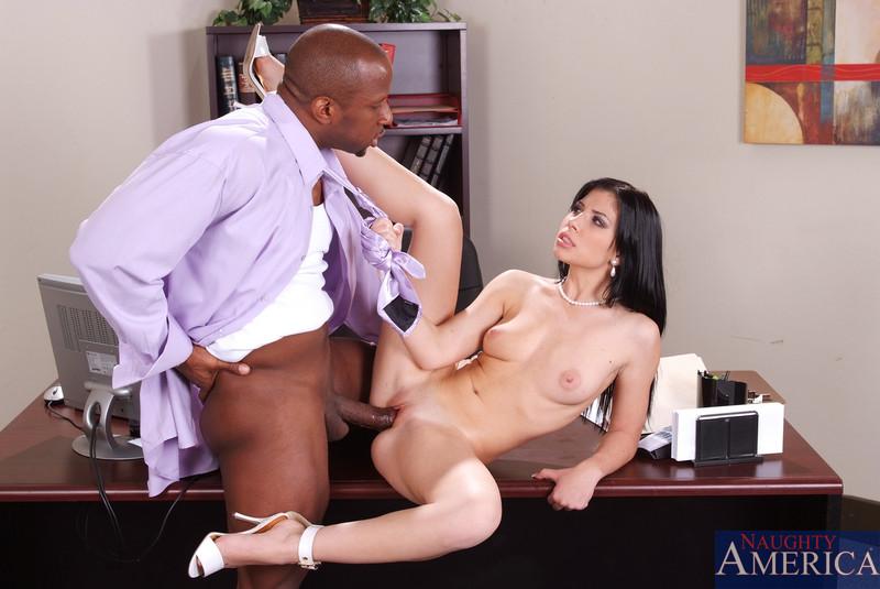 неграми секретарш порно фото