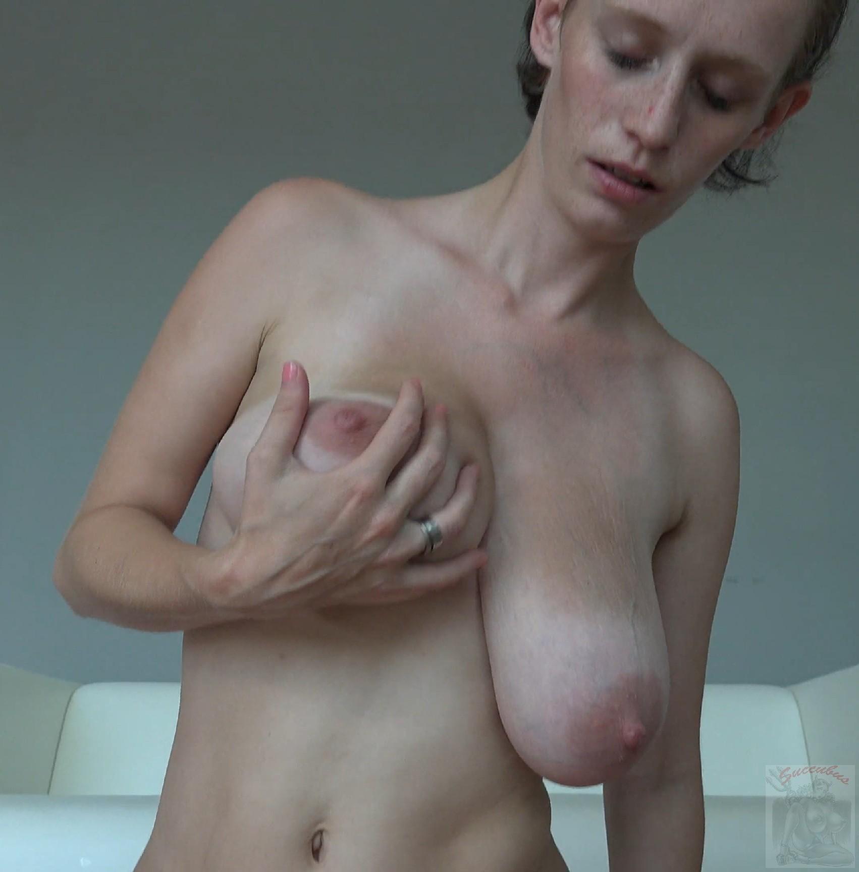 Обвисшая грудь в сперме 15