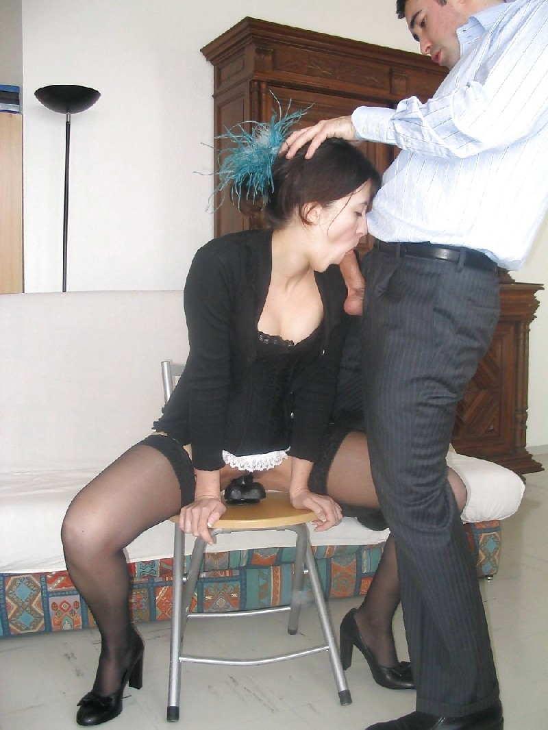 Шлюховатая жена запечатлена во всех местах в доме