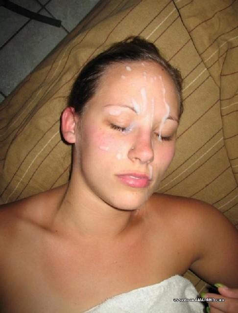 сперма у девушек на частях тела фото