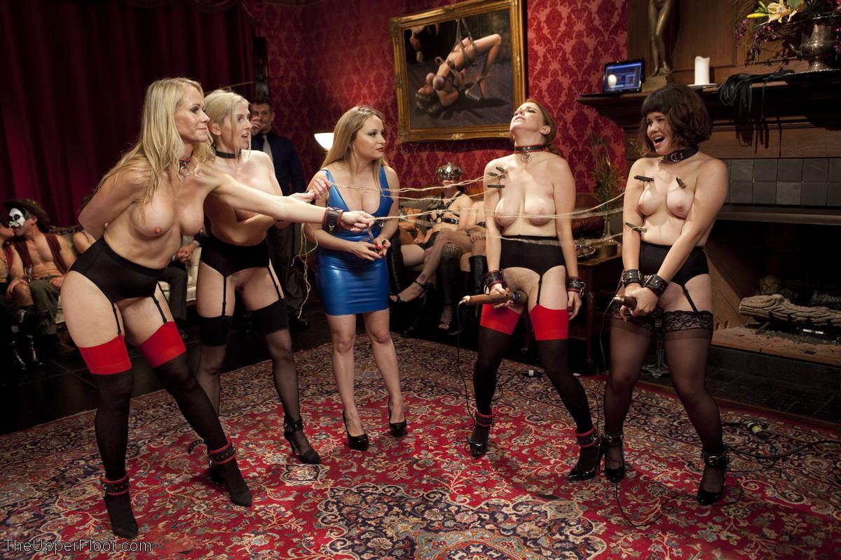 галерея порно фото simone deluxe