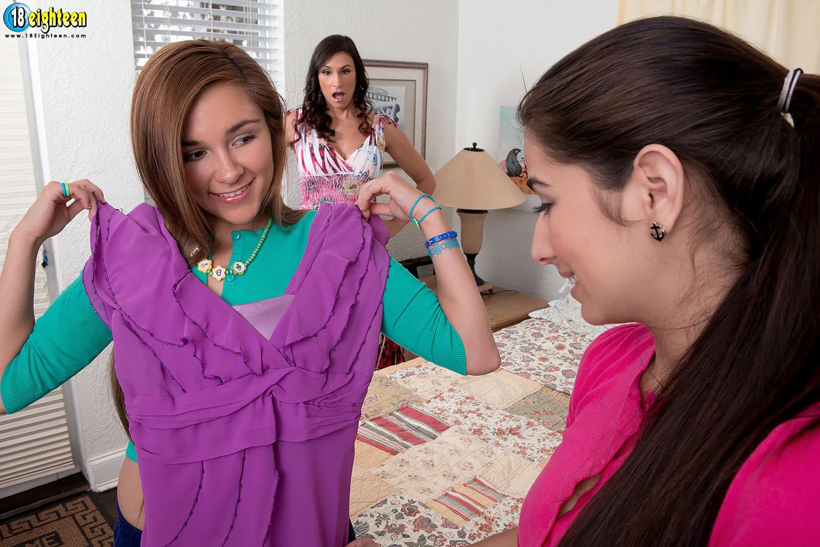 Megan Salinas, Raven Lechance, Zoey Foxx - Галерея 3448142