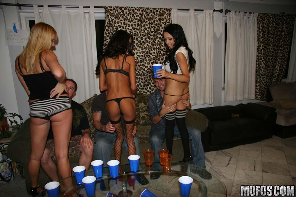 клуб нефть проститутки