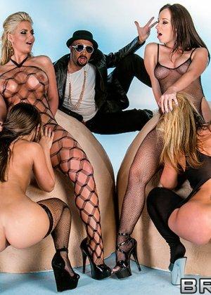 Jada Stevens, Phoenix Marie, Remy Lacroix, Sheena Shaw - Галерея 3458403 - фото 4