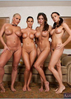 Четыре спортивные лесбиянки - фото 7