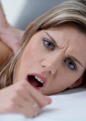 Секс с худой, стройной девушкой - фото 15