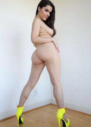 Сексуальная итальянка с волосатым лобком - фото 9