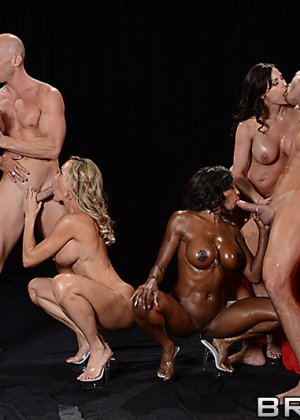 Brandi Love, Diamond Jackson, Jewels Jade, Kendra Lust, Bill Bailey - Галерея 3479235 - фото 2