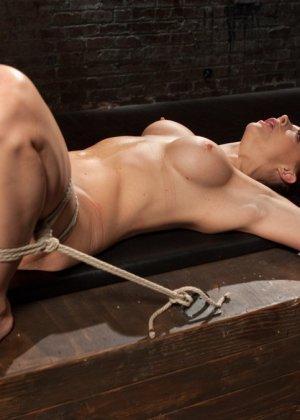 Chanel Preston, The Pope - Галерея 3481371 - фото 17