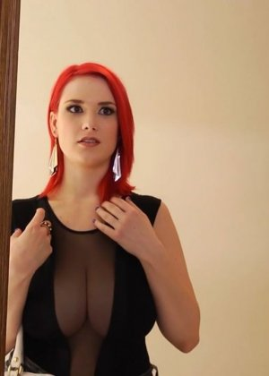 Трах грудастой рыжей девушки - фото 1