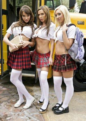 Nikki Benz, Jessica Lynn, Nika Noire - Галерея 3443104 - фото 1