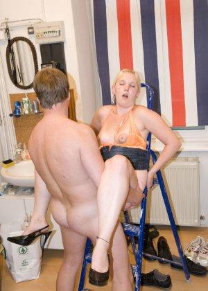 Порно фото немецкой супружеской пары на кухне - фото 2- фото 2- фото 2