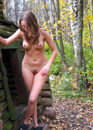 Русская девчонка Оля не стесняется голых фоток на улице - фото 64 - фото 64 - фото 64
