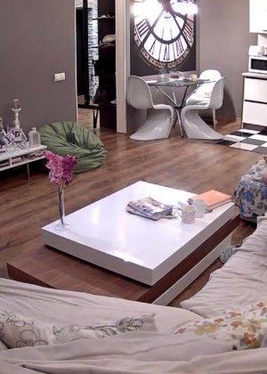 Скрытые камеры зафиксировали секс в неожиданных местах в квартире - фото 6