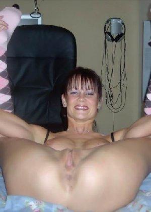 Гибкая шлюха Лиза балдеет от анала и секс игрушек - фото 3