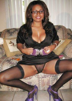 Прекрасная трахатебельная красавица играет распутную секретаршу - фото 22